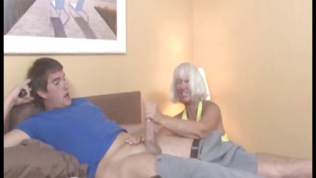 زن و شوهر پیر فیلم سوپر تلگرامی و جوان ، چهار