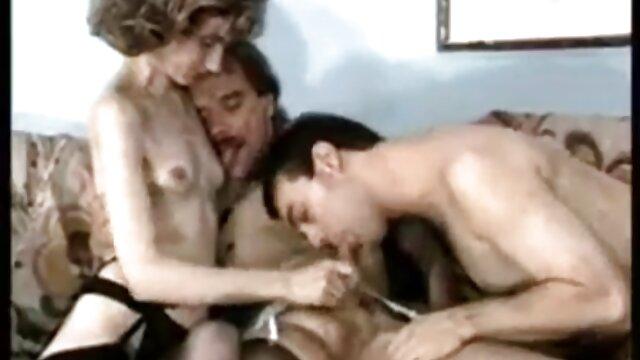 معلم پیر شاخدار یک دانش آموز را لوس می چنل فیلم سوپر کند
