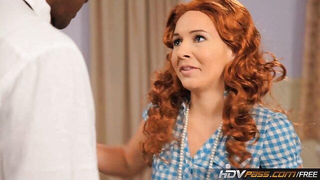 شیر گرفتن ، شوهرش ایدی کانال فیلم سوپر را گاز می گیرد