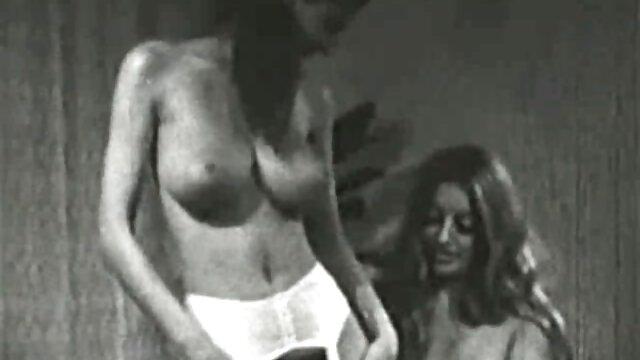 شات بزرگ از تقدیر برای پورن کده یک خانم شلوغ